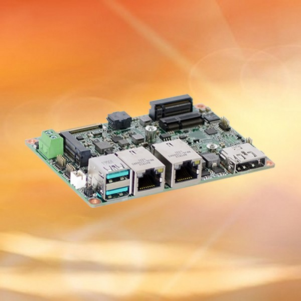 DFI WL051-BCC-8665UE - Intel Core® i7-8665UE